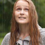 DM_03242016_0080-girl-rain-300